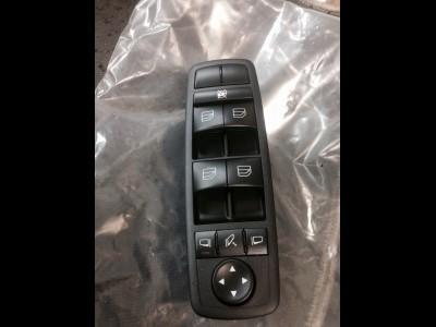 Mercedes-Benz W164 ML 350 全新右邊司機窗控制台