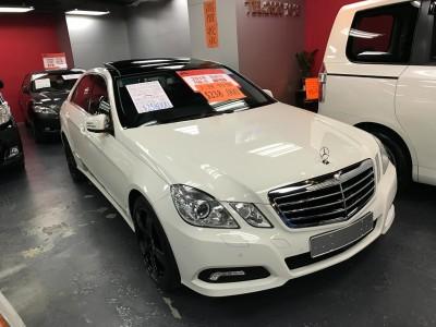 Mercedes-Benz E500 AV