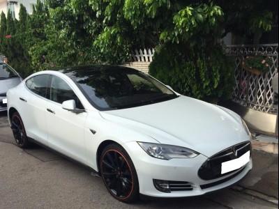 Tesla 90D