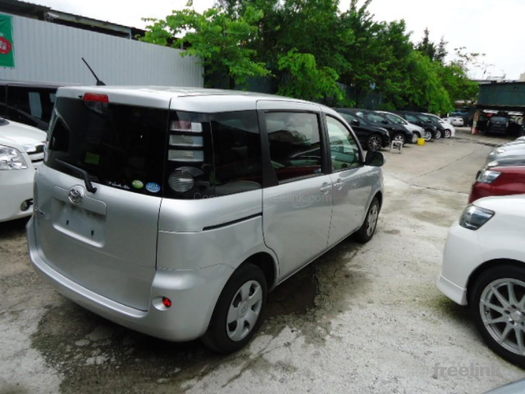 Toyota SIENTA X