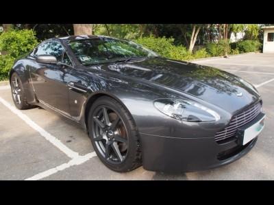 Aston Martin Vantage 4.2 (1322)