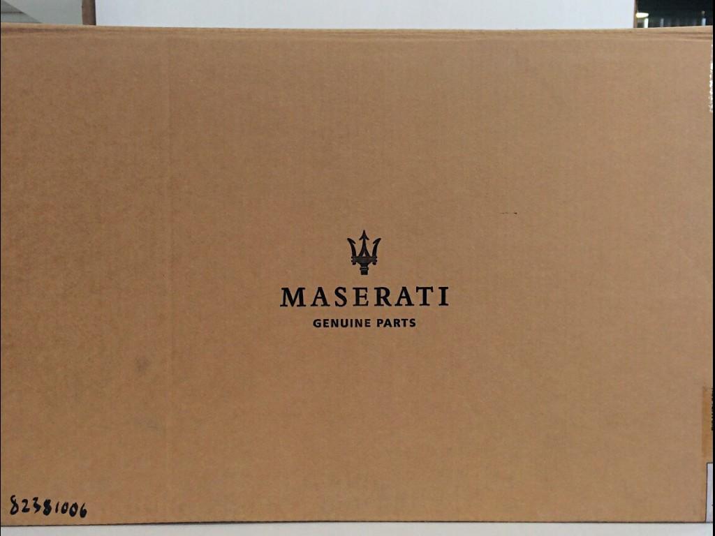 Maserati  尾鈴(20吋*10.5吋)