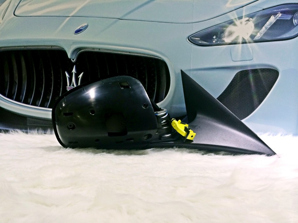 Maserati  R.H. Outer Rear View Mirror