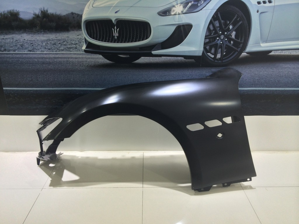 Maserati  Complete L.H.FrontFender