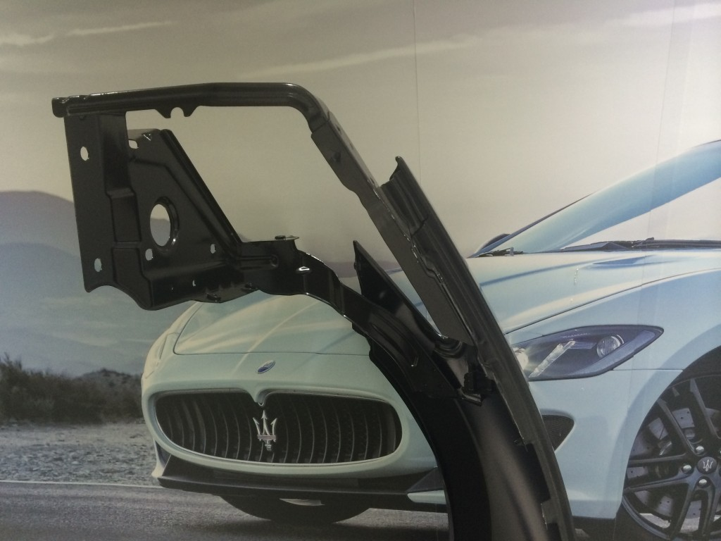 Maserati  Complete R.H.FrontFender
