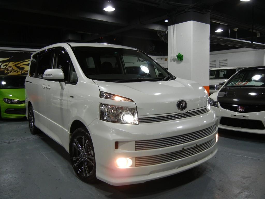Toyota  VOXY ZS MODELLISTA