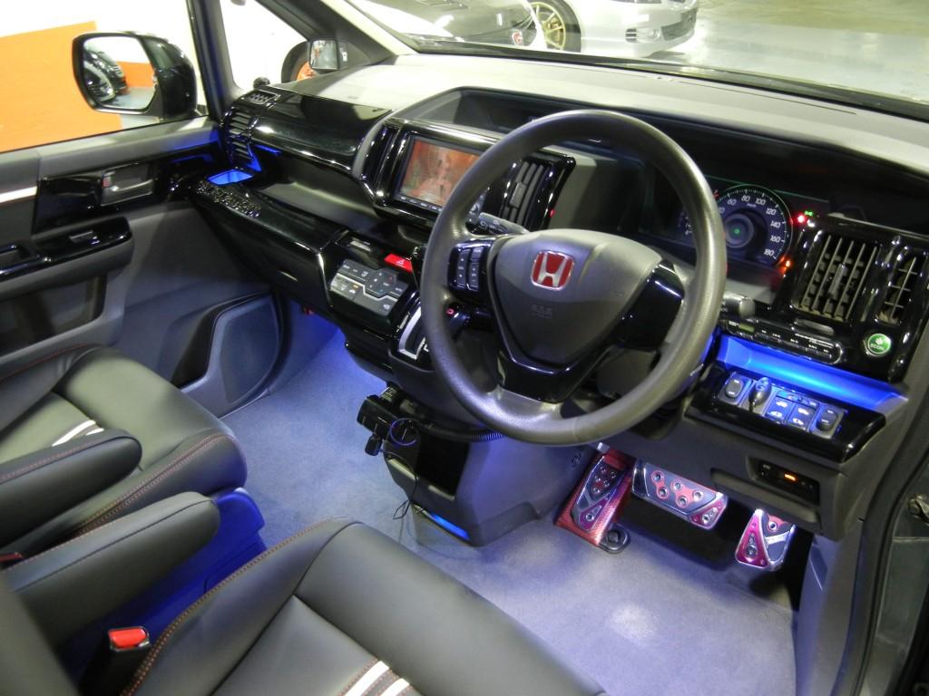 Honda STEPWGN 2.0 RK1 MUGEN