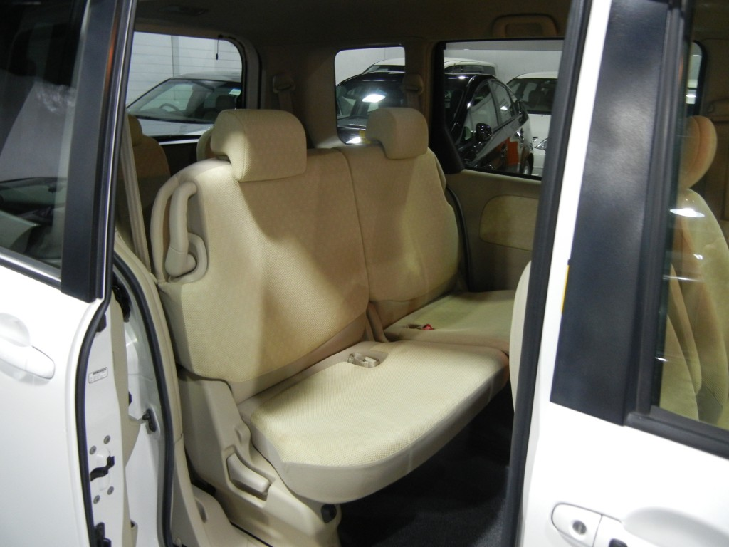 Toyota  SIENTA G FACELIFT