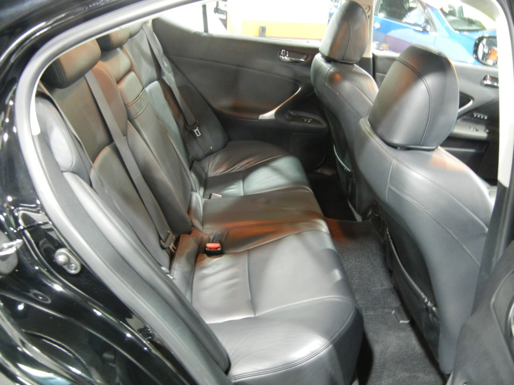 Toyota IS250 DELUXE