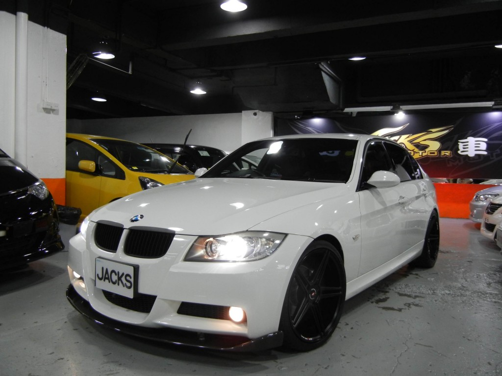 BMW  320i M PACKAGE