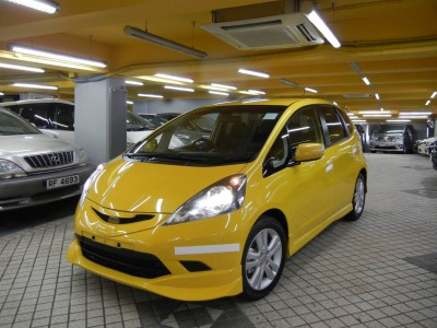 Honda  FIT RS 1.5 GE8