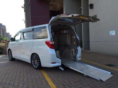 Toyota ALPHARD WELCAB X