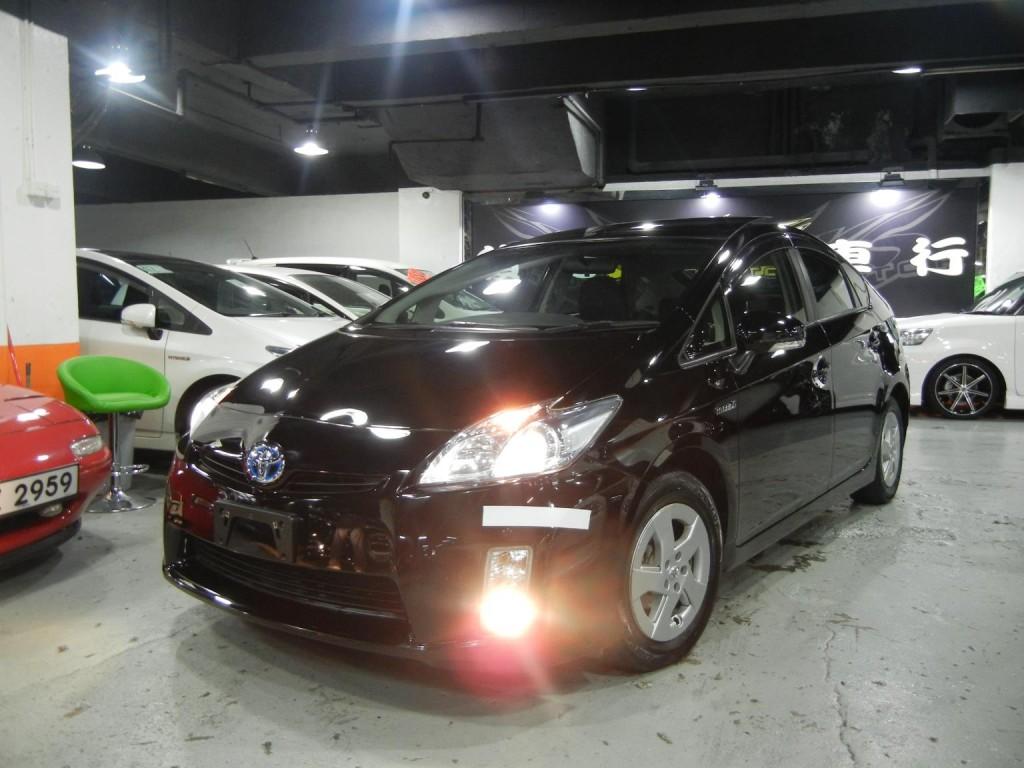 Toyota  PRIUS DELUXE