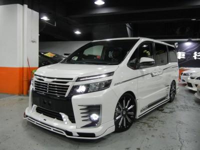 Toyota  VOXY ZS ROWEN