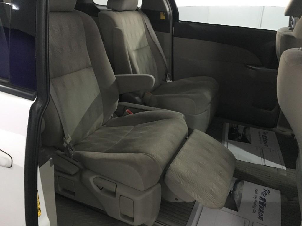 Toyota Estima Aeras 2.4