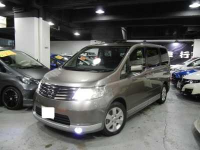 Nissan SERENA 2.0S