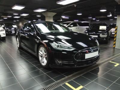 Tesla S70D