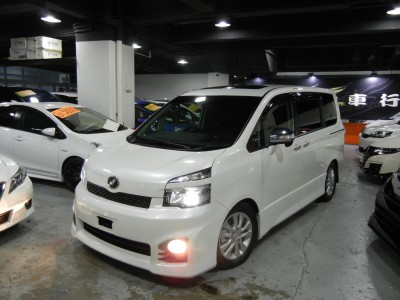 Toyota  VOXY ZS VALVE MATIC FACELIFT