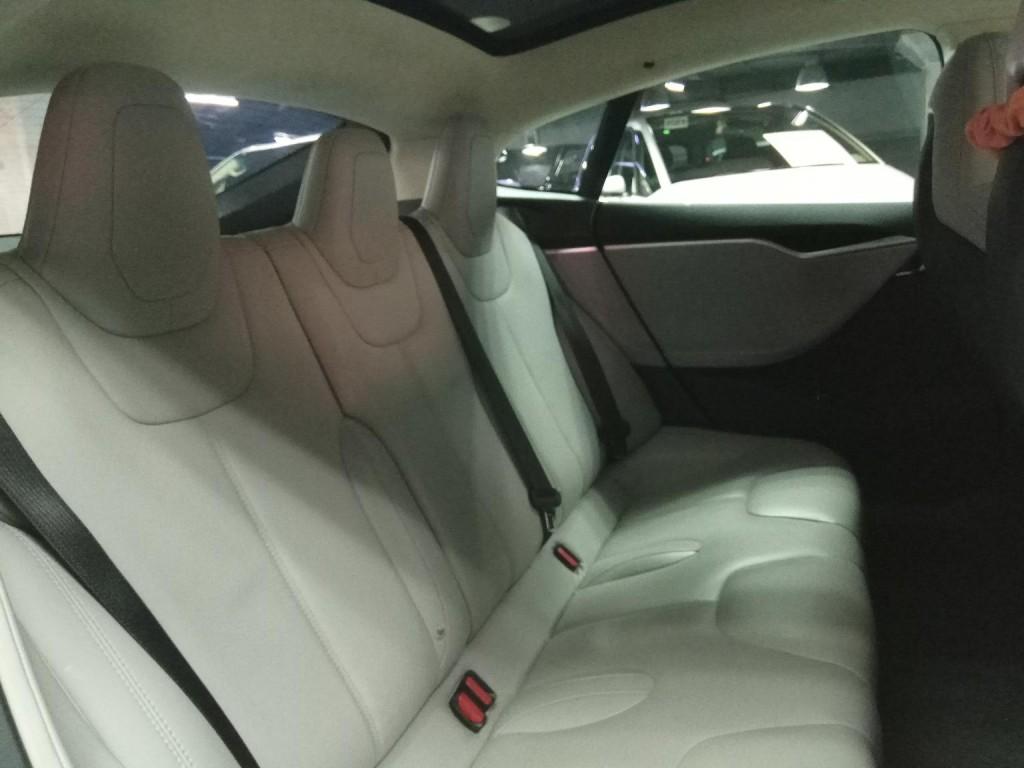 Tesla Model S70D