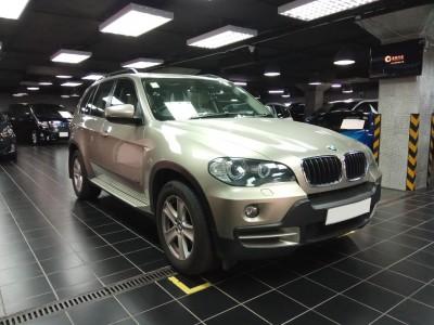 BMW   X5 3.0 SIA 7 SEATS