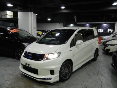 Honda SPIKE HYBRID MUGEN FREED