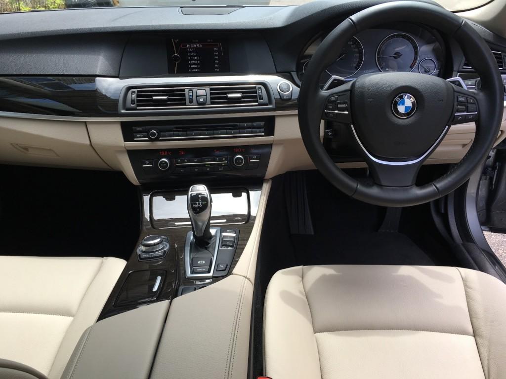 BMW  528IA M SPORT