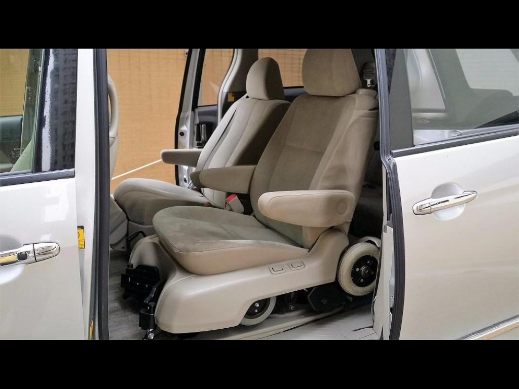 Toyota ESTIMA HYBRID WELCAB