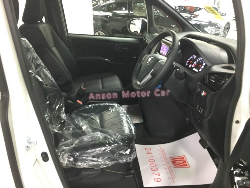 Toyota Noah SI FACELIFT