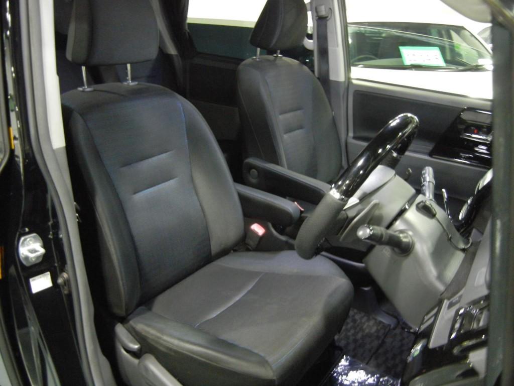 Toyota  VOXY ZS VALVE MATIC