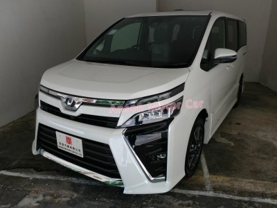 Toyota VOXY ZS FACELIFT