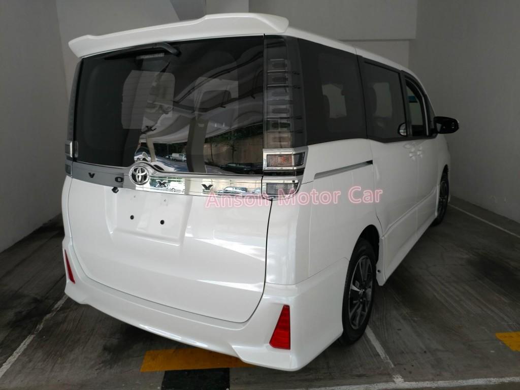 Toyota VOXY ZS FACELIFT