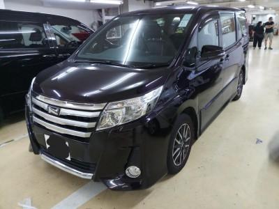 Toyota NOAH DELUXE