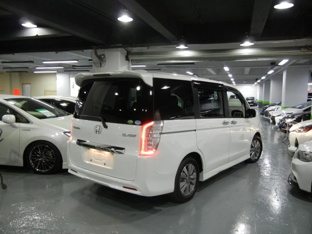 Honda  STEPWGN SPADA RK5 FACELIFT