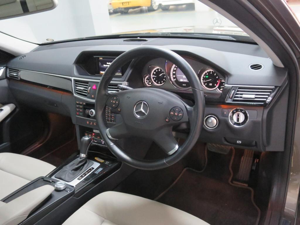 Mercedes-Benz E250 CGI AV