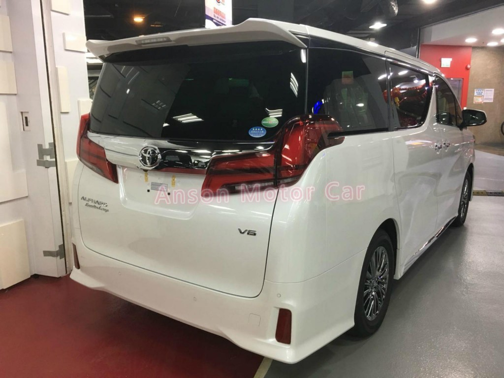 Toyota ALPHARD FACELIFT 3.5 EXECUTIVE LOUNGE