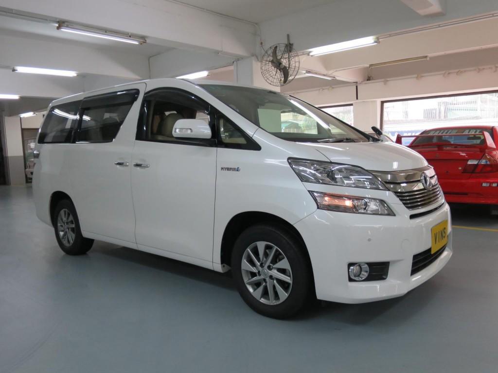 Toyota VELLFIRE 2.4 HYBRID