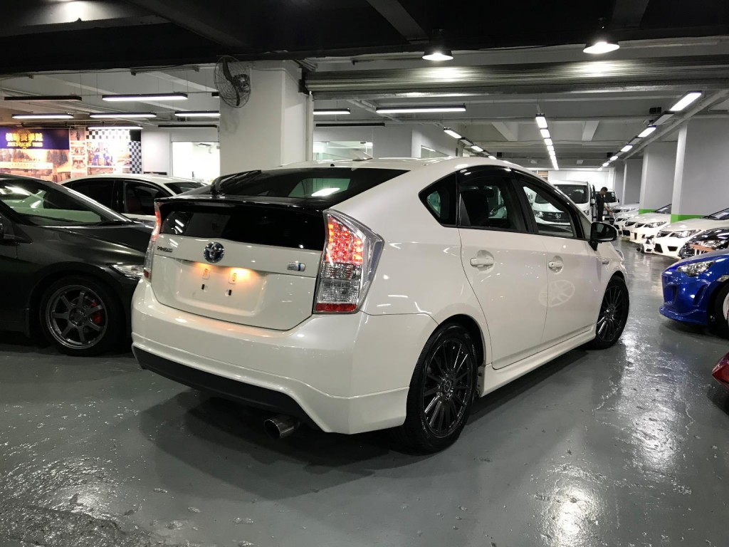 Honda PRIUS GS KENSTYLE