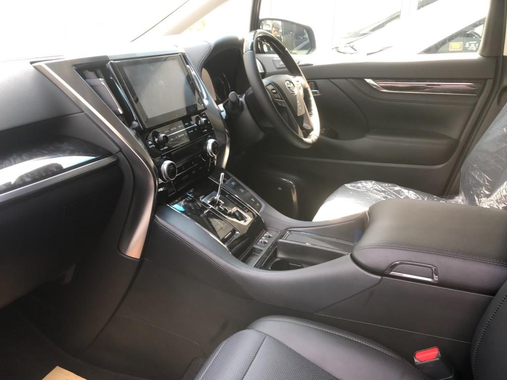 Toyota Alphard 2.5SC JBL