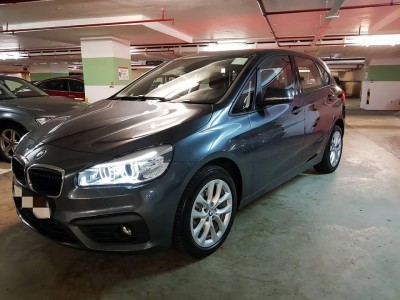 BMW  220ia