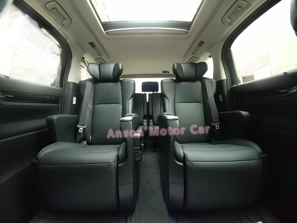 Toyota ALPHARD FACELIFT 2.5 SC