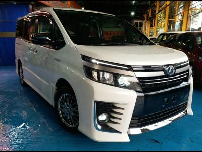 Toyota VOXY ZS HYBRID