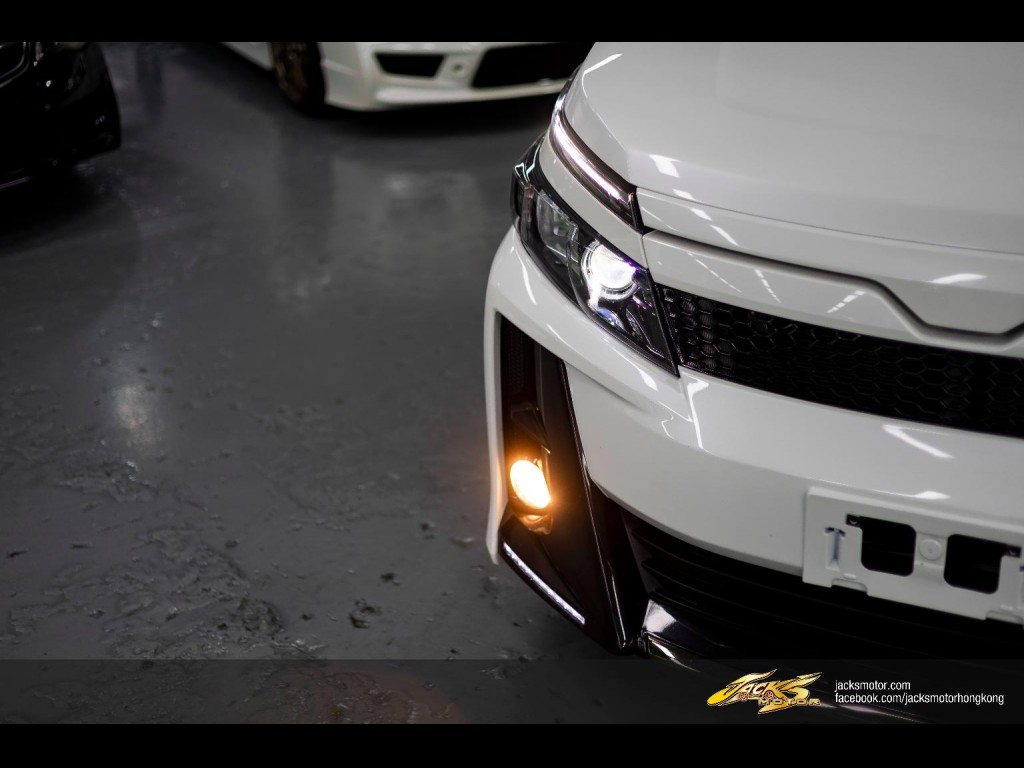 Toyota VOXY G's
