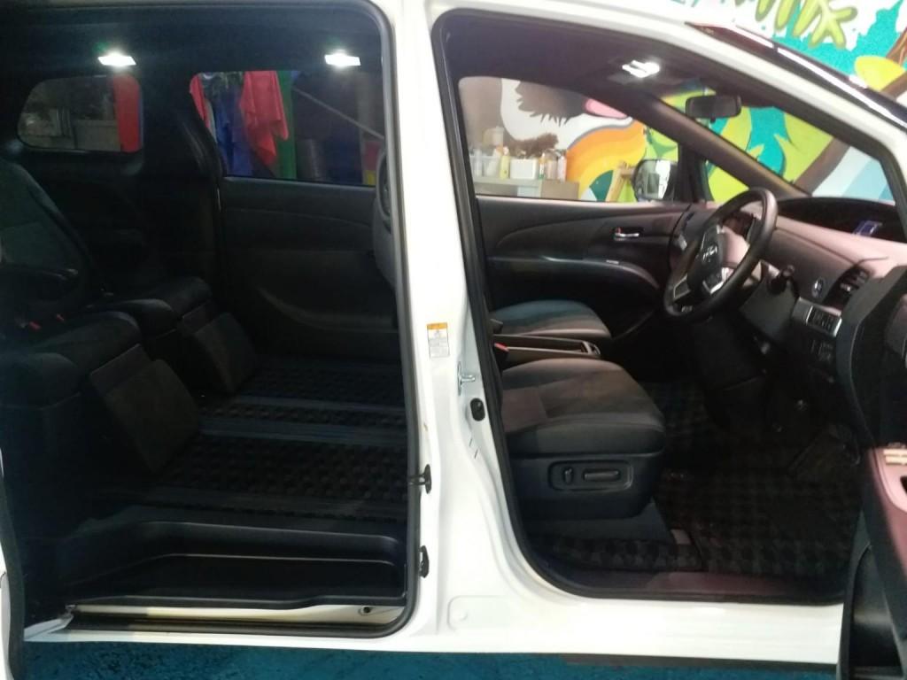 Toyota ESTIMA FACELIFT