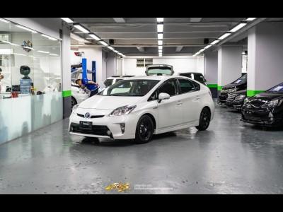 Toyota Prius S Facelift
