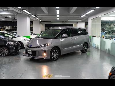 Toyota Estima Hybrid Aeras 2.4