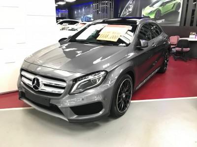 Mercedes-Benz GLA250 4MATIC AMG