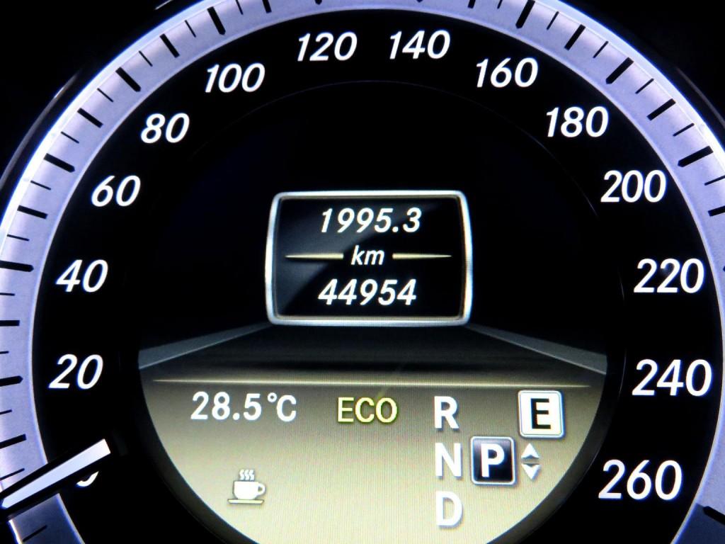 Mercedes-Benz E200 AV