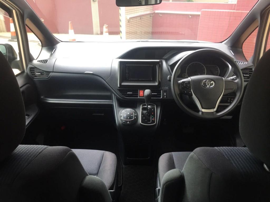 Toyota VOXY WELCAB X