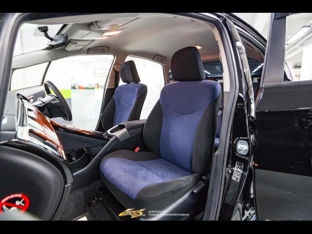 Toyota Prius S Touring Facelift