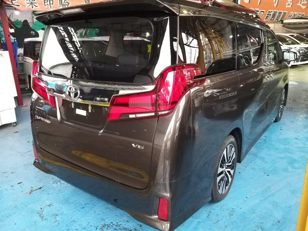 Toyota ALPHARD FACELIFT